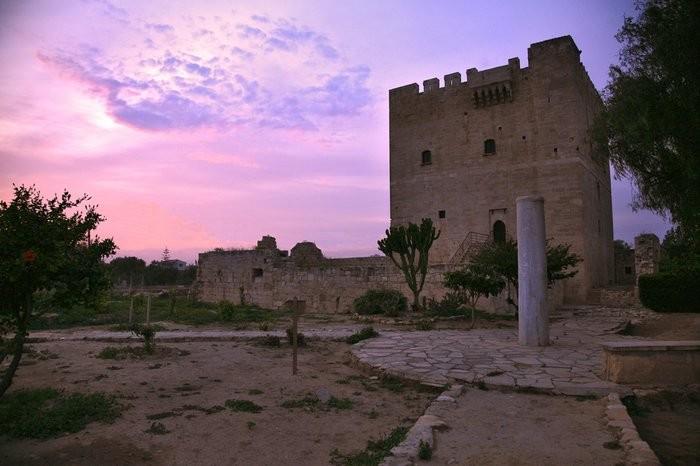 Замок Колосси - фото-путешествие на Кипр 1 (700x466, 68Kb)
