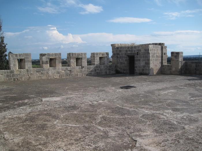 Замок Колосси - фото-путешествие на Кипр 7 (700x525, 113Kb)