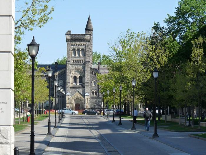 Фото-путешествие в Университет Торонто 9 (700x525, 131Kb)