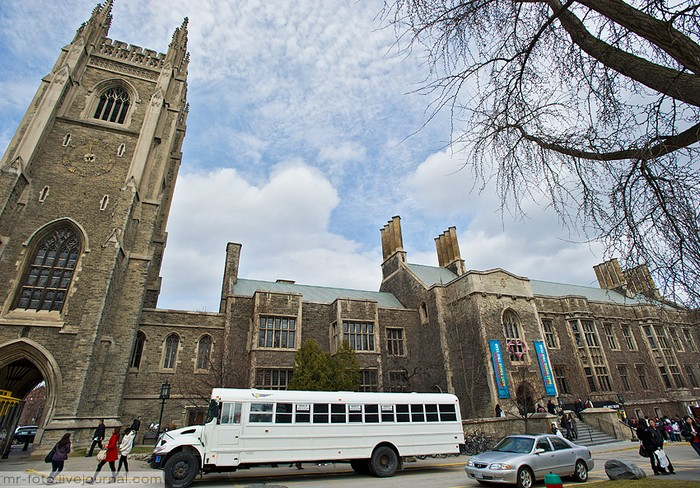 Фото-путешествие в Университет Торонто 25 (700x488, 154Kb)