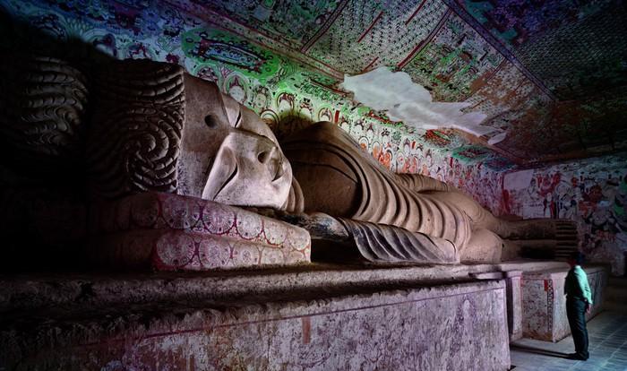 пещерные храмы (700x414, 109Kb)