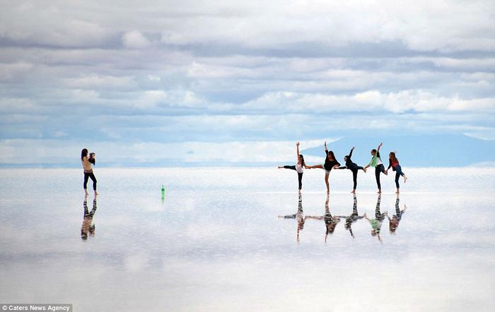 соляное озеро в боливии 8 (700x442, 88Kb)