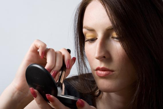 maquiagem-tem-prazo-de-validade-sim-5-551 (570x380, 22Kb)
