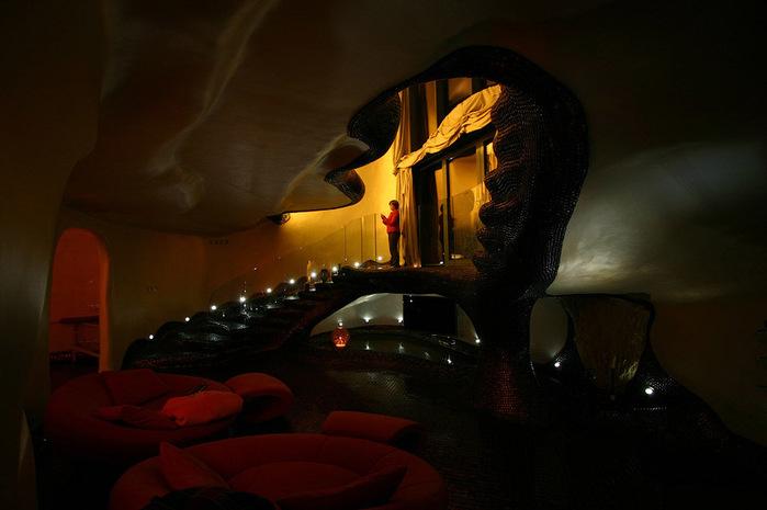 дом-ракушка в россии фото 3 (700x465, 78Kb)