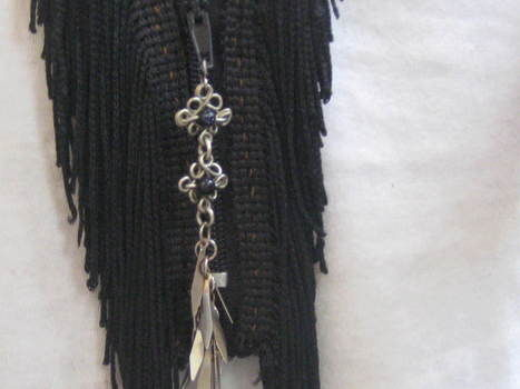 Completed Project: Fringed Zipper Necklace Picture #3/3576489_medium_IMG_1325_1284596249 (467x350, 18Kb)
