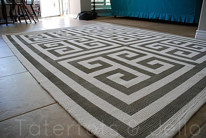 taped-greek-key-rug-tutorial1 (700x469, 114Kb)