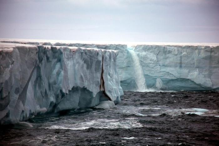 3925073_glacierwaterfalls6 (700x466, 79Kb)