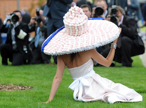 royal_ascot_hats_parade59 (600x445, 95Kb)