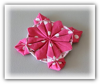 kak-sdelat-tsvetok-origami-.