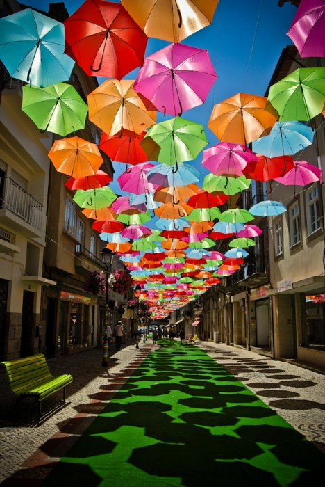 Umbrella_Sky_installation_2 (468x700, 133Kb)