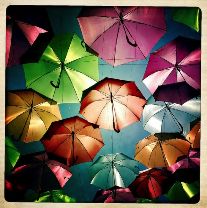 Umbrella_Sky_installation_4 (697x700, 126Kb)