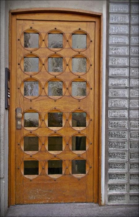 Дверь в Старом городе. Дюссельдорф.