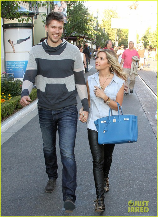 ashley-tisdale-scott-speer-step-up-showing-01 (509x700, 121Kb)