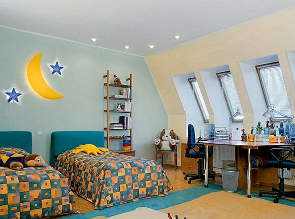 дизайн узкой детской комнаты фото.