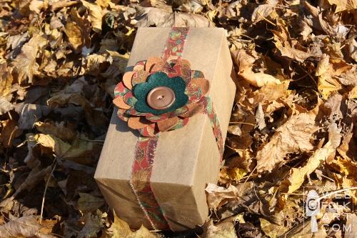 wrappingafallgift-presentgoodtogowm (500x333, 161Kb)