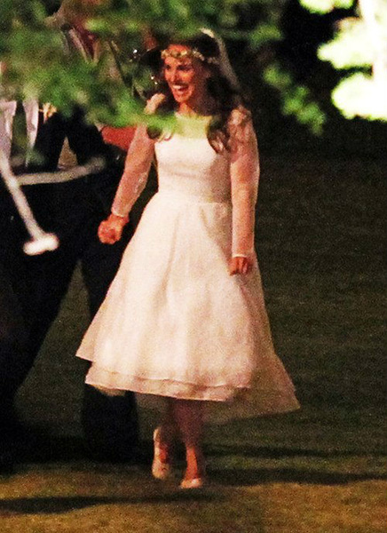 Natalie-Portman-s-Wedding-Dress-natalie-portman-31722317-436-600 (436x600, 122Kb)