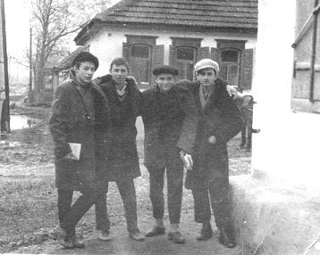 1965г.кореши,_Я,_Юра,_Вовка,_Толик (358x286, 43Kb)