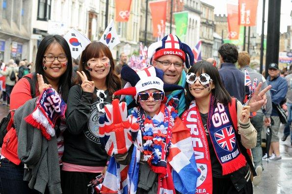 image-10-for-football-fever-hits-cardiff-as-team-gb-face-south-korea-gallery-528126299 (595x395, 65Kb)