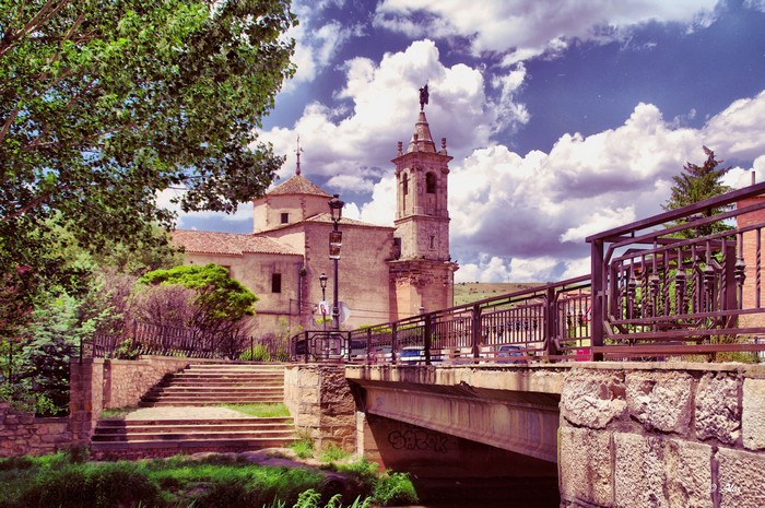 Живописные фото Испании 1 (700x465, 149Kb)