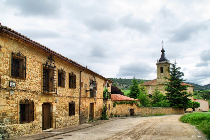 Живописные фото Испании 3 (700x465, 99Kb)