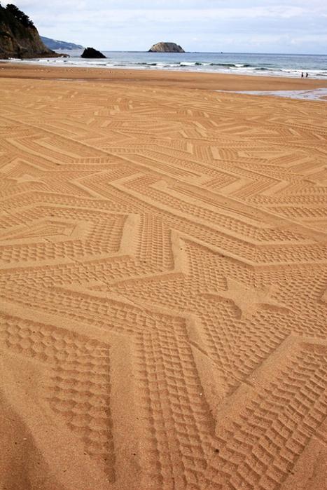 рисунки на песке фото 4 (467x700, 267Kb)
