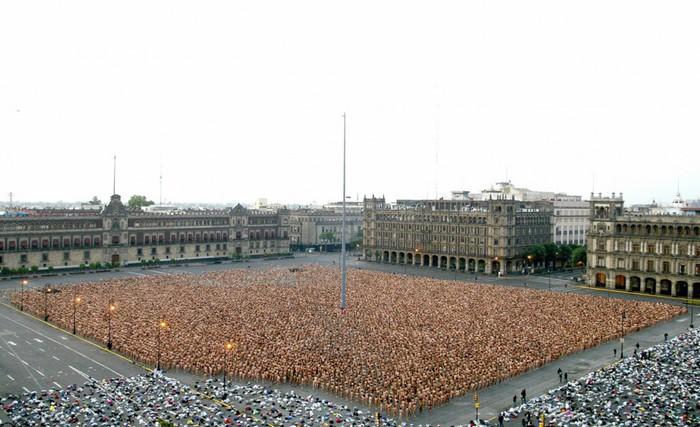 Спенсер Туник фото обнаженных людей 6 (700x427, 89Kb)