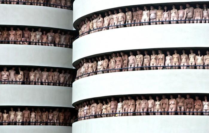 Спенсер Туник фото обнаженных людей 13 (700x447, 85Kb)