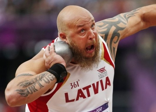 london-olympics-funny-photos-derp-shot-put-faces8 (530x382, 32Kb)