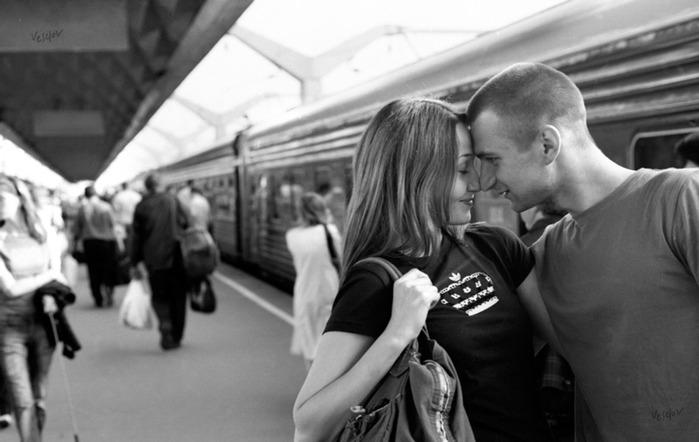 Любовь в поезде (700x442, 64Kb)
