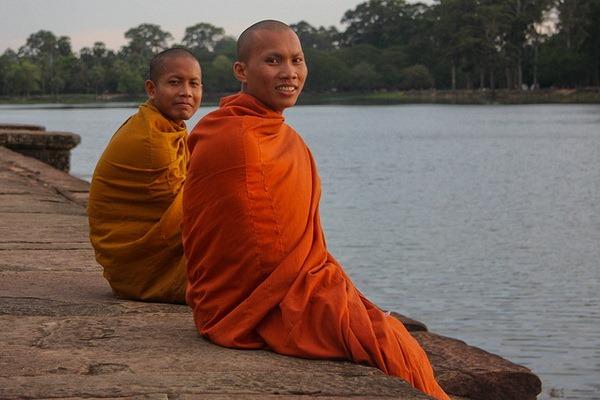 монахи (600x400, 73Kb)