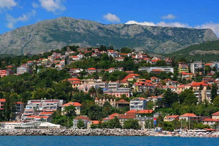 Впечатляющие достопримечательности Черногории - Херцег-Нови (700x467, 145Kb)