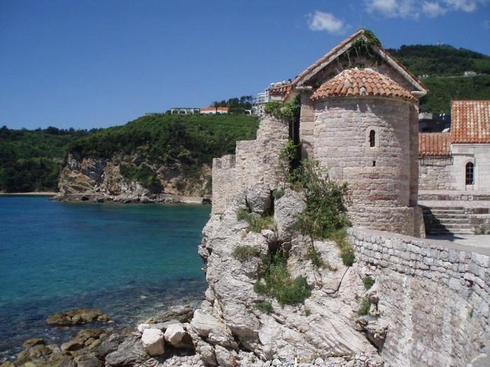 Впечатляющие достопримечательности Черногории 3 (700x525, 121Kb)