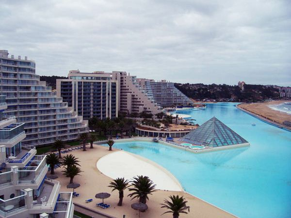 The Largest Swimming Pool in the World13 (600x450, 45Kb)