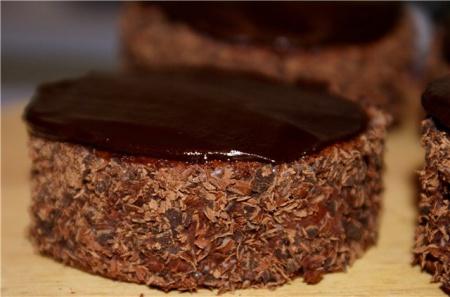 1334732360_recept-shokoladnye-pirozhnye-po-motivam-a-lya (450x297, 51Kb)