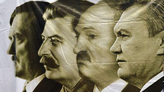 90477725_Nemeckaya_gazeta_Die_Ziet__Gitler_Stalin_Lukashenko_YAnukovich (540x304, 30Kb)