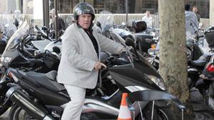 Известный актёр врезался в автомобиль и избил водителя//4831234_depardieuscooter_1_ (300x169, 36Kb)