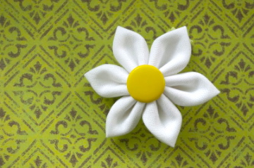 Ромашка цветок из ткани своими руками