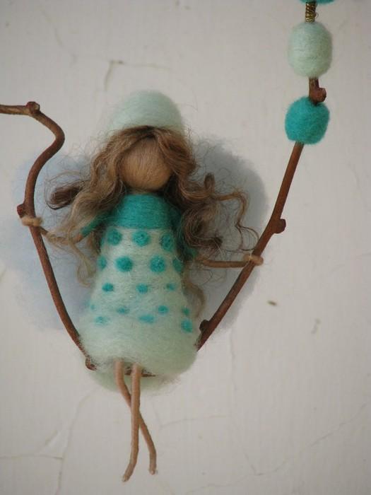 Кукла из шерсти для валяния