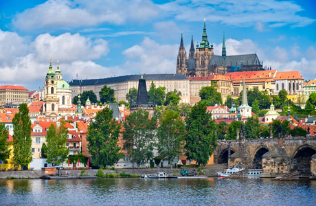 Прага бьет все рекорды по туристам! Вот Вам и Чехия!