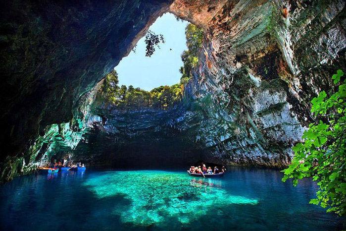 Melissani Cave (1) (700x466, 140Kb)
