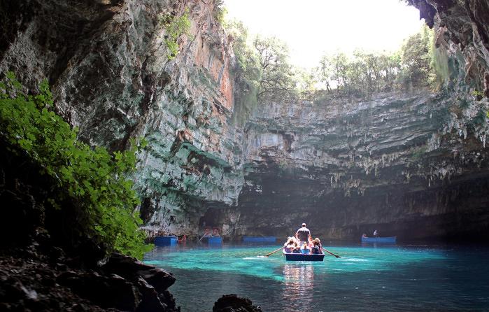 Melissani Cave (3) (700x446, 218Kb)
