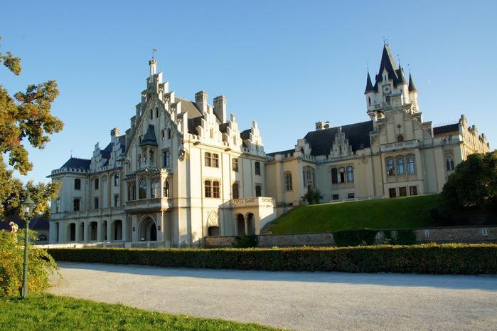 Замок Графенегг - романтичная драгоценность. 26900
