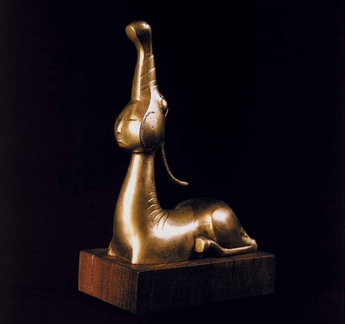79267983_Lituye_skulpturuy_ot_Dashi_Namdakova_44 (700x657, 51Kb)