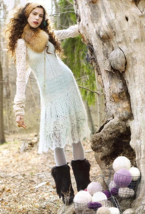 Платье спицами из мохера.