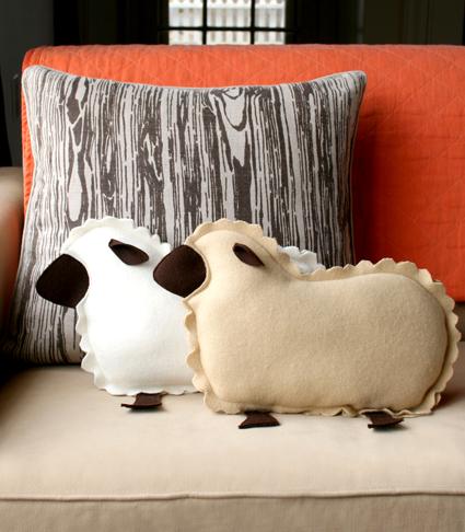 little-lamb-pillows-2-425 (425x486, 172Kb)