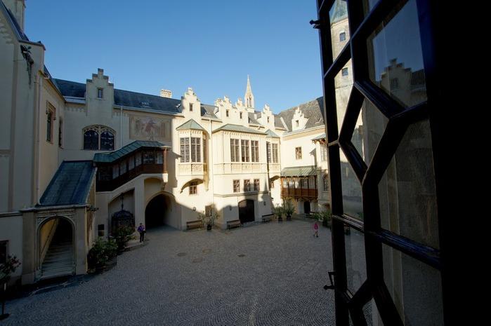 Замок Графенегг - романтичная драгоценность. 15755
