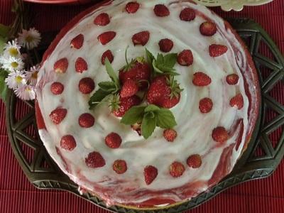 klubnichnyiy-tort (400x300, 57Kb)
