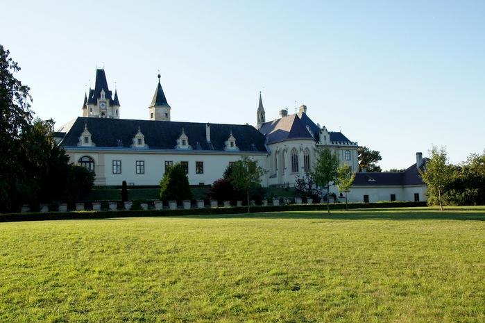 Замок Графенегг - романтичная драгоценность. 10065