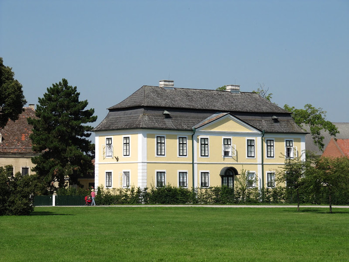 Замок Графенегг - романтичная драгоценность. 14335