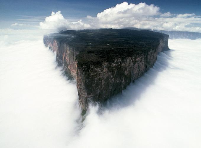 Mount_Roraima_Venezuela (680x502, 108Kb)